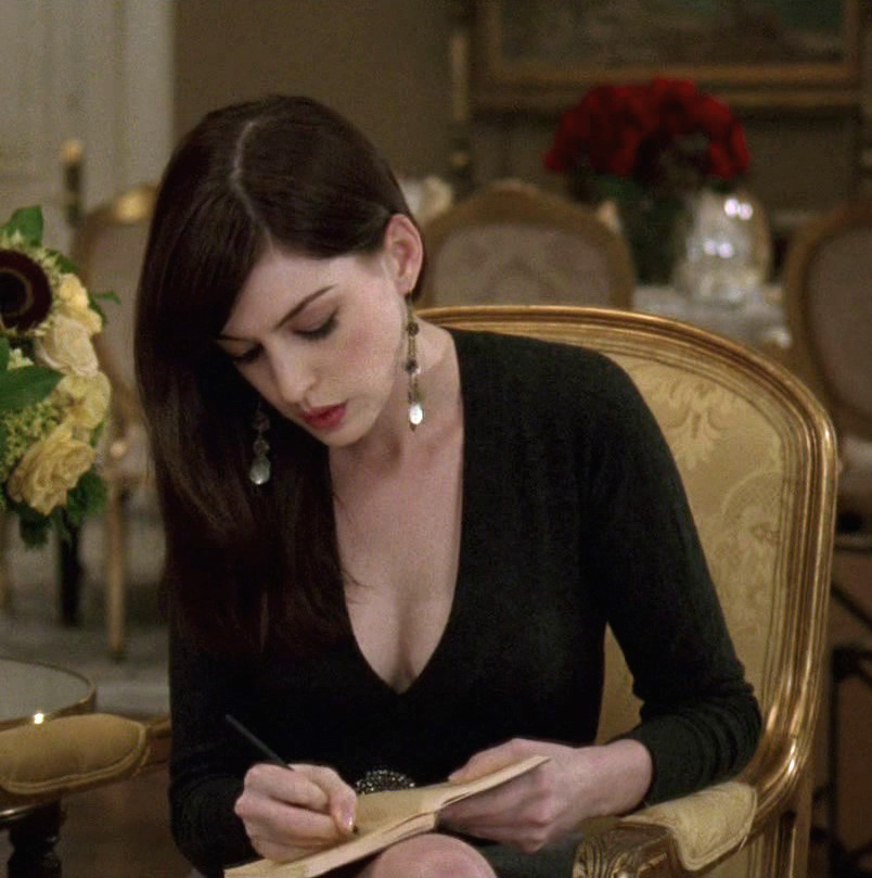 suicideblonde:  Anne Hathaway in The Devil Wears Prada