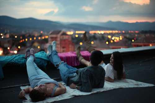 perfectmadness:  rooftop (by alle dicu)
