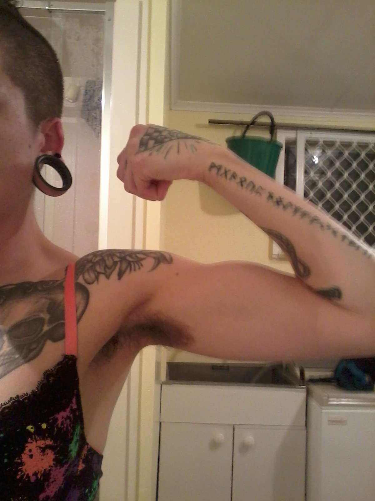 hairypitsclub:  Hairy pits plus bicep progress!