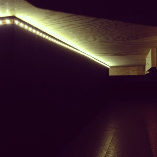 There's little lights under my bed 💡💡💡 (at CityFlats Hotel)