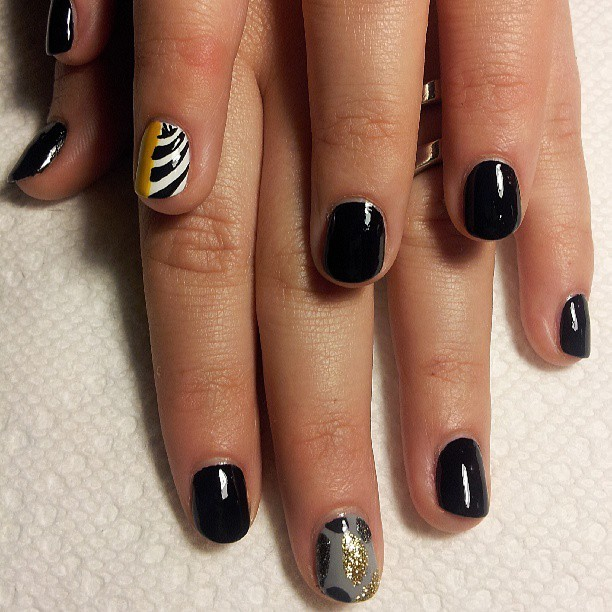 Last set if #MickaleneThomas inspired #nailart , done earlier tonight at the #brooklynmuseumofart. Fun night of music, art and nails. #naillife #artinspired #elsalonsito