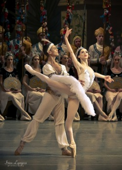 La Bayadere + hyperextension!