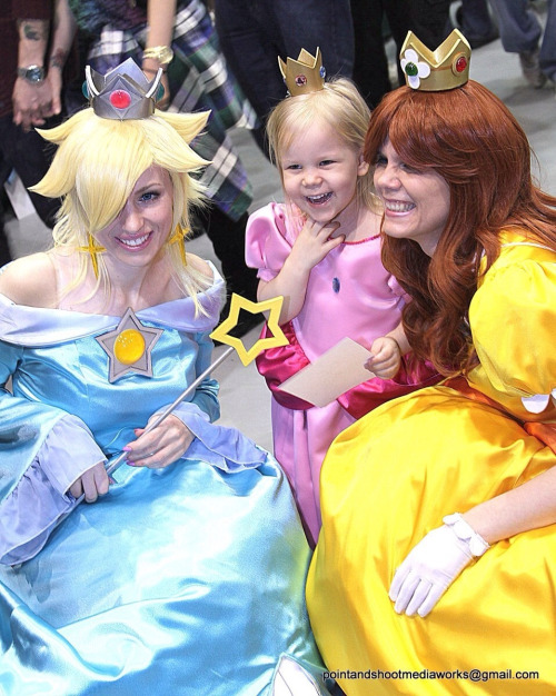 Laughing princesses at ECCC 2013 <3