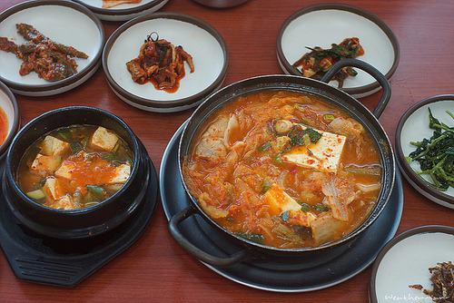 foodfuns:  you-win-lee:  Korean Food by iweatherman on Flickr.http://bit.ly/17VZu98