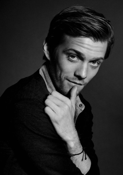 beautiful-actors:  Jake Abel