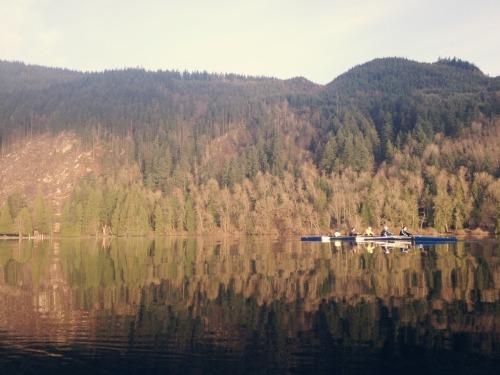 WWU Women's Rowing Lake Samish