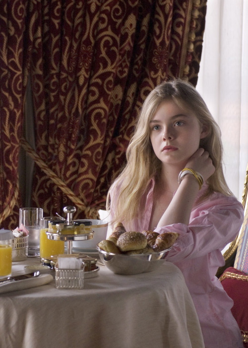 bohemea:  Elle Fanning in Somewhere