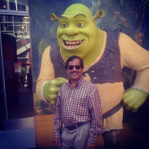 azizisbored:  Happy Birthday to my Dad!  happy birthday aziz ansari's dad