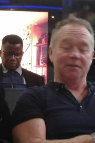 Whilst looking at my photograph of Robert Mugabe, I notices Les Dennis in the forground… Yeah.