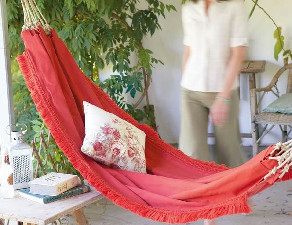 prettylittlepieces:  How to Make a Hammock