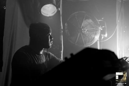 Technique Podcast -Episode 28: Mixed By Digital TRACKLIST: Sound Bizness - DIGITAL - Lion Dub InternationalNew Age Jungle Funk - DIGITAL - Technique recordingsGarrison Law - DIGITAL+ SPIRIT + RESPONSE - V RecordsLife Goes On - SPIRITConfusion - NOMINEDUBPLATEBitter Wind - DIGITAL - Rupture RecordingsDUBPLATEDUBPLATEIn The Basement - DIGITAL - Technique recordingsThe Pain - DIGITAL - IngredientsRed Alert - DIGITAL - DispatchCaptive - DIGITAL + SPIRIT - 31 RecordsSmoking Dub - DIGITAL - FunctionDUBPLATERed Head - DIGITAL - Function DOWNLOAD HERE