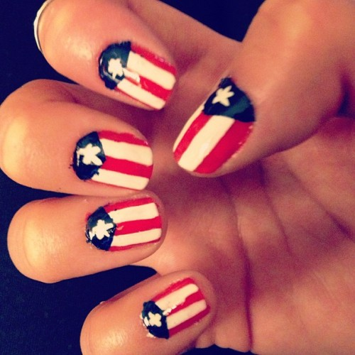 Puerto Rican flag nails. 😘💃 Impressed with myself considering the fact that I haven't painted my own nails in almost ten months. My left hand isn't nearly as impressive. #lefthanded #bored by 1laurenjean http://bit.ly/181ziwr