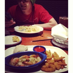 ashleyfultron:  #shrimp #redlobster #boyfriend #foodporn