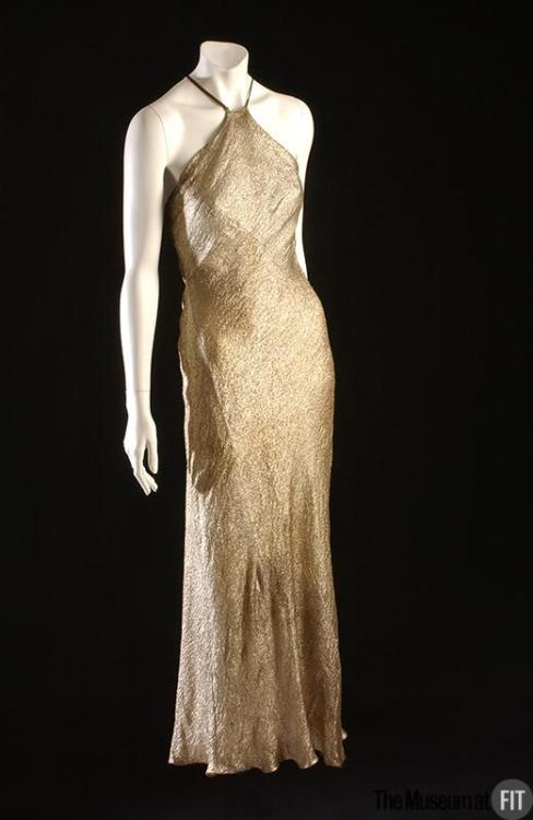 omgthatdress:  Dress Madeleine Vionnet, 1938 The Museum at FIT