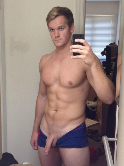 damnhugecock:Wanna view more? http://ift.tt/11wEQv9