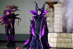 yeahdisneyaudios:  Disney Villain costume pic spam: Maleficent (Tokyo Disneyland) Source