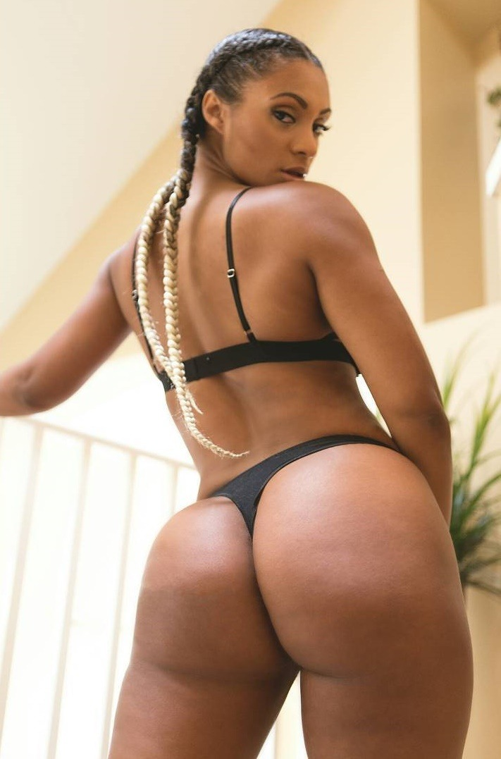 The jump off booty shake pic black tits  black booty shaking contest really big bootys