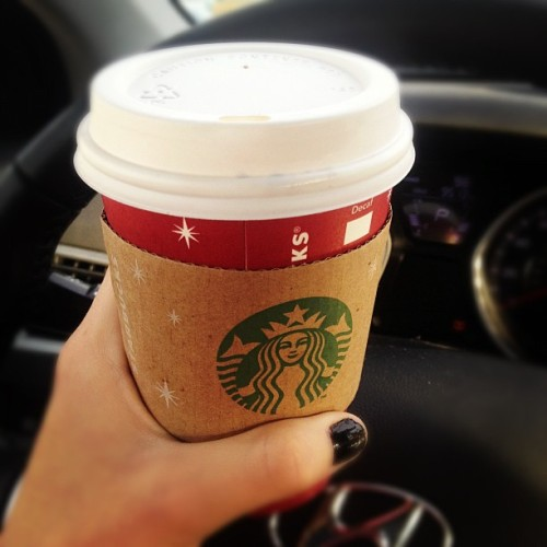 Goooood morninggg #starbucks #pumpkinspice #holidays #hands #blacknails  #instagood #instamorning #love