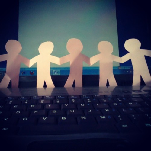 Paper people chain ~