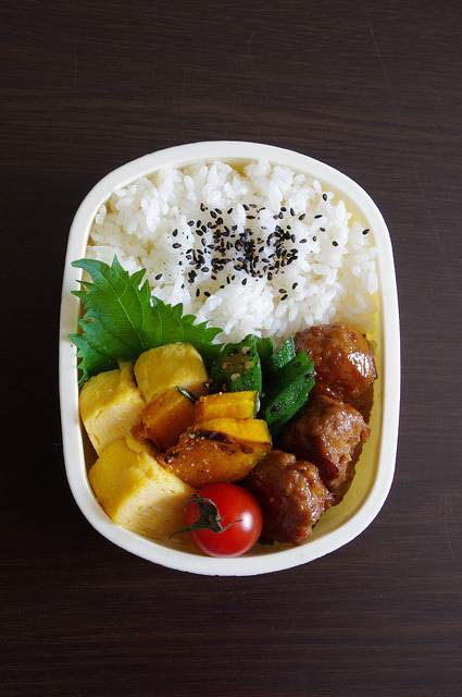 you-win-lee:  久々弁当 by megmocco on Flickr.