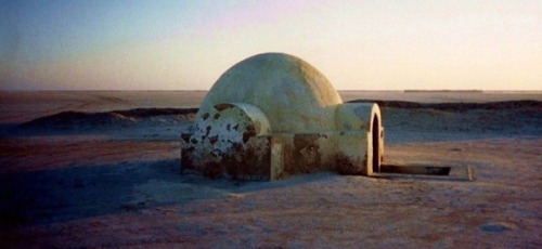 destroyed-and-abandoned:  Abandoned Star Wars set in Tunisia/Morocco