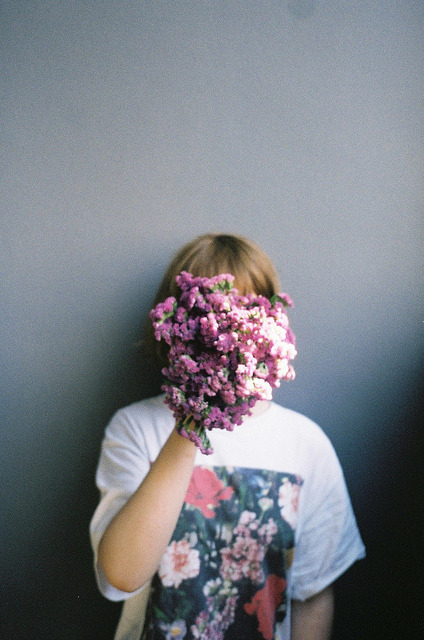 freckledkneeshoneybees:  - on We Heart It - http://weheartit.com/entry/61837598/via/flowers4mybrain Hearted from: http://www.flickr.com/photos/analobo/8712072787/in/faves-empalagarmedemar/