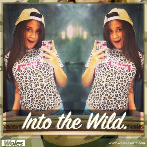 "@hilabule reppin Snowle white tees ""Into the wild"" #woles #wolesoriginal #wolesjakarta #intothewild #clothing #clothingline #mirror #streetwear #streetwearfashion #tees #wolestees #girls #fashion #leopard"