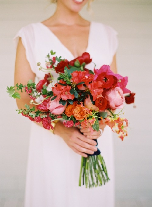 all-things-bright-and-beyootiful:  Flowers: Joy Thigpen // Photography: Tec Petaja