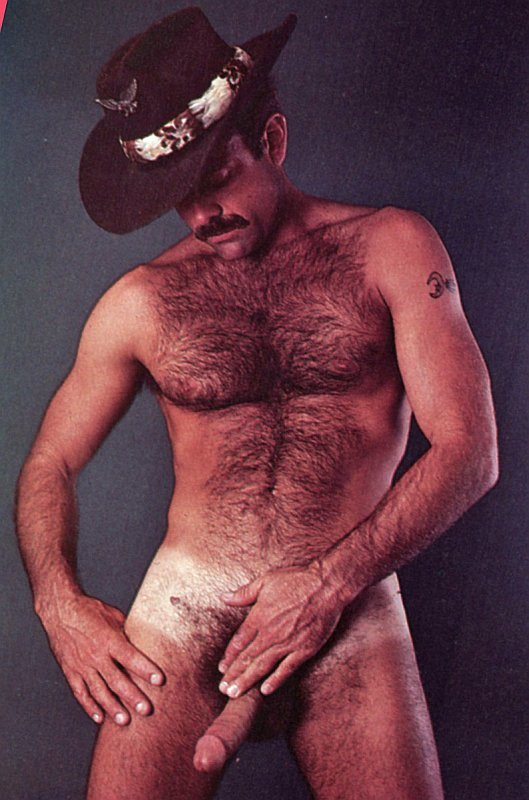 2018-06-04 05:23:21 - fuckyeahdaddies loads of daddies at fuck yeah beardburnme http://www.neofic.com