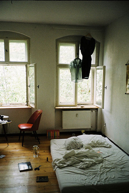 vacants:  untitled by Kata Pult on Flickr.