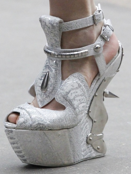wink-smile-pout:  Shoes at Alexander McQueen Fall 2011