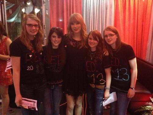 nassauswifty:  Taylor Swift with Fans at Club Red in Omaha few day's back