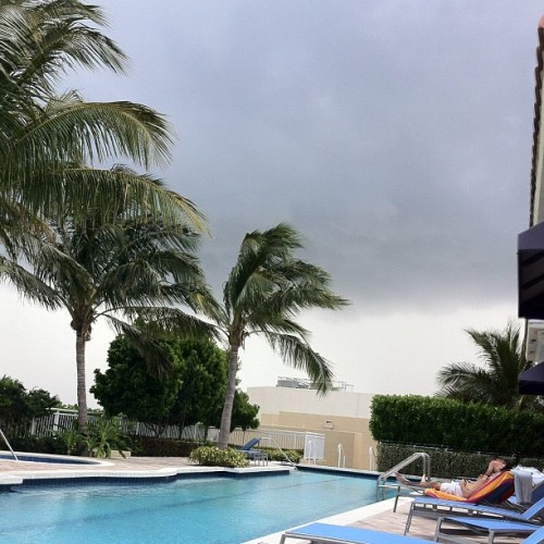 i wanted to get some sun today dammit. #floridaweather #pool #itsgonnarain #clouds (at The Whitney Roof Top Pool)