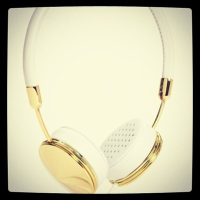 Golden Set-Frends Layla Earphones. #earphones #ipod #iphone #ipad #tech #fashion #bieber #Frends #gadget
