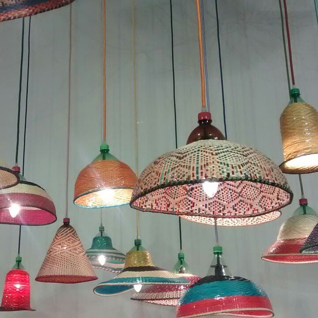 Be green panama estas son lamparas hechas con botellas - Lamparas hechas con botellas ...