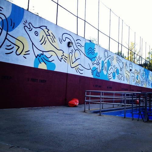 Just discovered a Keith Haring mural a few blocks up from my office. #keithharing #mural #nyc #pool