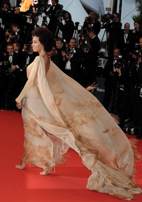 suicideblonde:  Solange Knowles (in Stéphane Rolland Couture) at the Cannes Film Festival premiere of THe Great Gatsby, May 15th