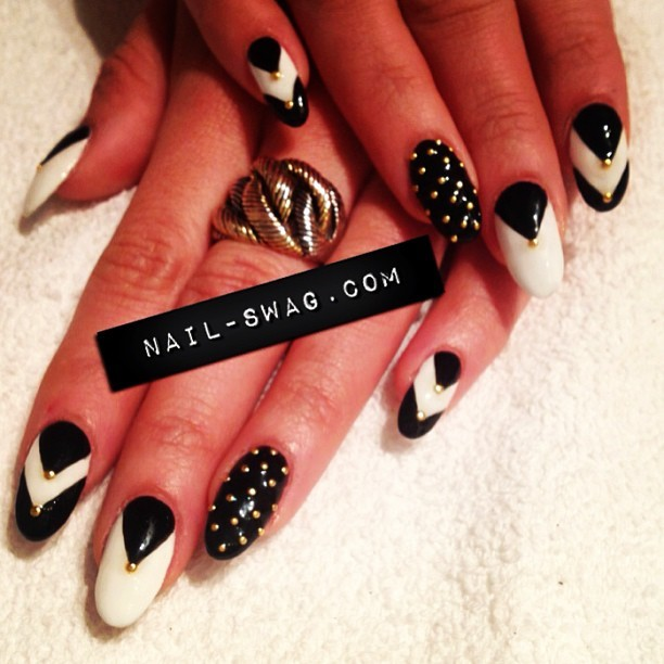 THE ON POINT NAIL for Alexa! #nailswag #nails #nailart #naillabo #nailartclub #nailtour #fromlatothebay #swag #sparklesf