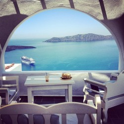 cluuub:  fe-licita:  i want to get married in greece, it's decided   FOLLOW! Follow my Instagram: jessssdanielsI will promote you to 22K+ and I will follow back your Instagram. Mwah xx