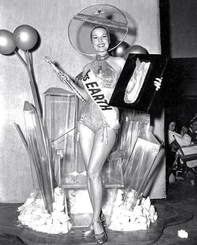 kitschgirl65:  Miss Earth contest, 1952