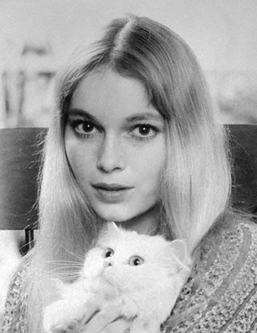 womenofthesixties:  Mia Farrow