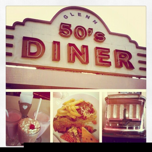 let's eat the 50's way… #oldschool #baguiocity