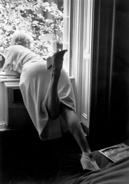 Marilyn Monroe on the set of The Seven Year Itch, 1955 - photo by Bob Henriques