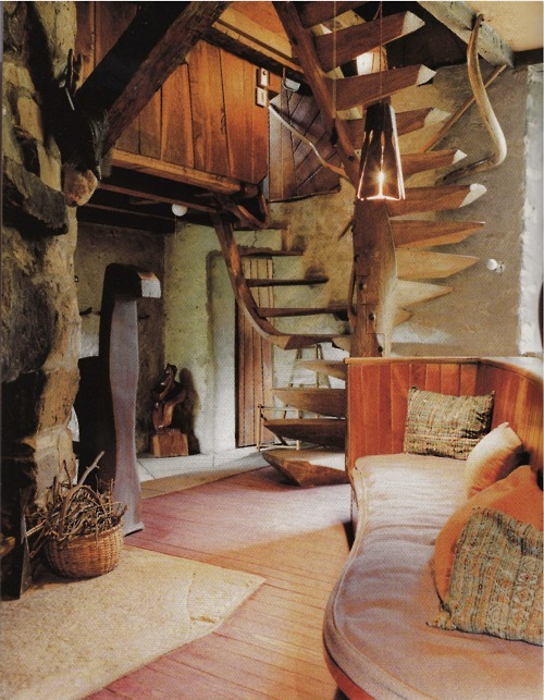 Wood Interior, Taos, New Mexico photo via vksprings