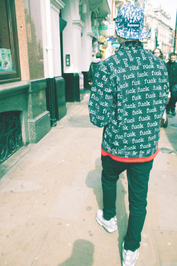 lewlewjr:  Walking through london init