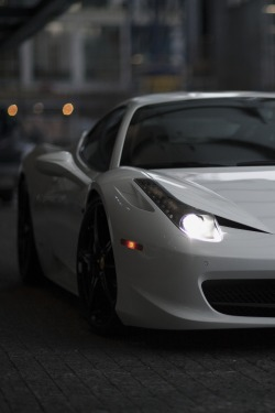 vistale:  Ferrari 458 | via