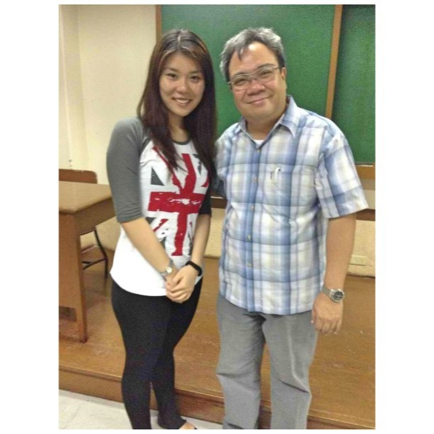 Omg, I can't believe I forgot to post this :/  To the best med prof I ever had in college, Sir Elis Maghirang :) Thank you for your wise 'questions' in class, for never spoon feeding us even though we begged ('siiirrrrrrrr!'), and for all your inspiring stories that made us want to go into med more. Thank you again, Sir! God bless and take care po sa family!