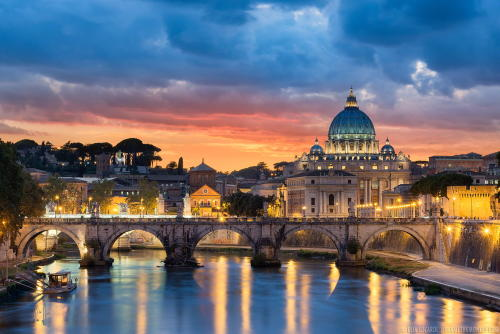 citylandscapes:  A colorful sunset over Vatican City and the St. Peter's Basilica in Rome by Elia Locardi