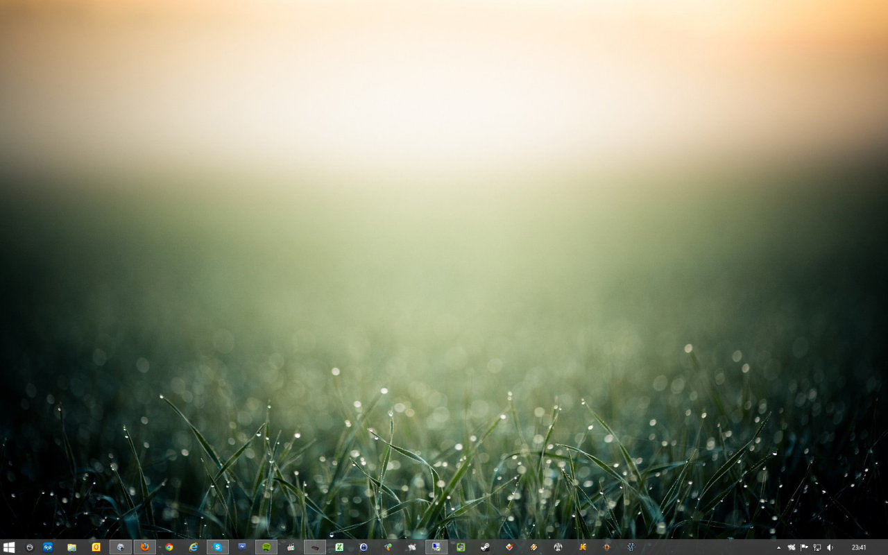 My current desktop on my desktop Windows 8 PC, April 4th 2013. In case you are wondering, the Start button is there thanks to Stardock Start8. Legacy bliss.
