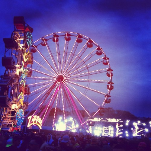 alexinsanity:  Main stage 🎡✨🌃 These past two days have been phenomenal, plenty more pictures and stories to come.